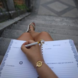 gratitude mania -journal - bracelet